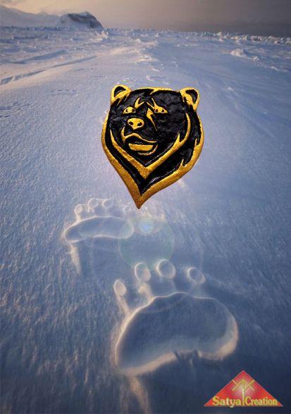 Bear, animal totem, pendant, handmadejewelry, giftforher, giftforhim, giftideas. Available on Etsy : Satya Creation.