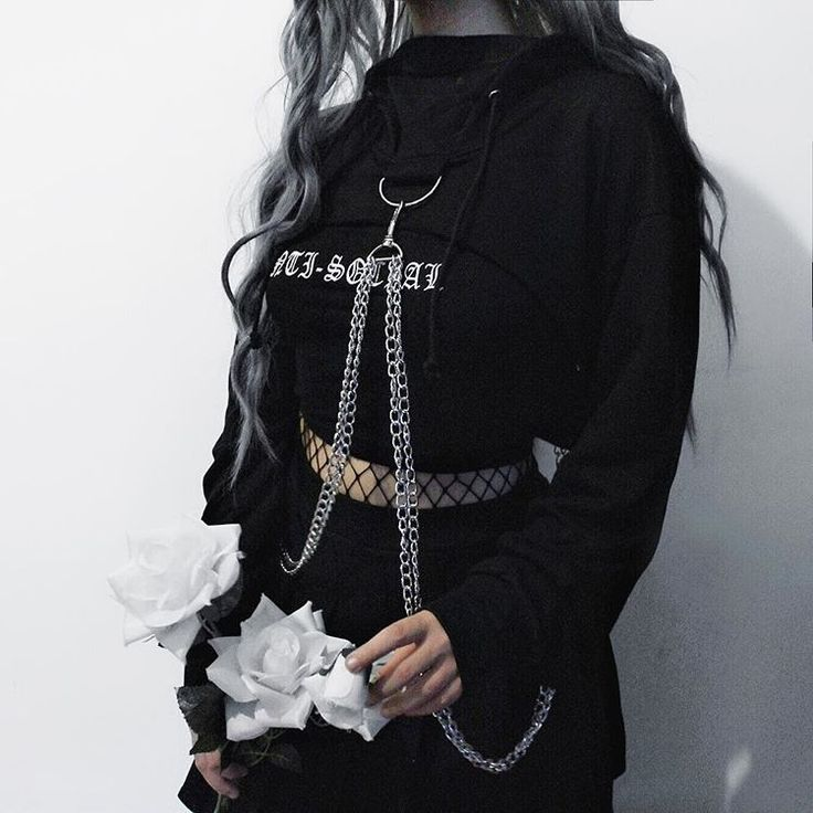 Yay or nay? ・Cropped Hoodie from Rock 'n Doll ・ . . . . #greyhair #grunge #grungegirl #tumblr