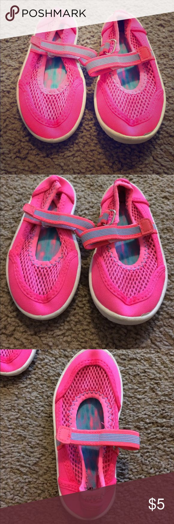 👣 Size 7/8 Toddler Girl Water Shoes Like new! Worn once! Shoes Water Shoes