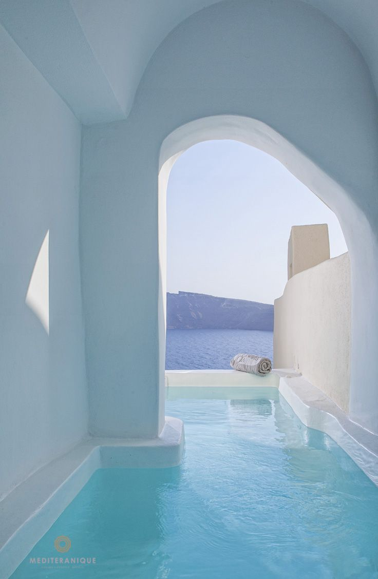 River Pool Suite at the Canaves Oia Hotel & Suites, Santorini http://www.mediteranique.com/hotels-greece/santorini/canaves-oia-hotel-suites/