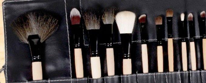 Un set ideal para tu rostro con 4 brochas y 20 pinceles perfectos para crear todos los estilos que deseas por sólo $15.990