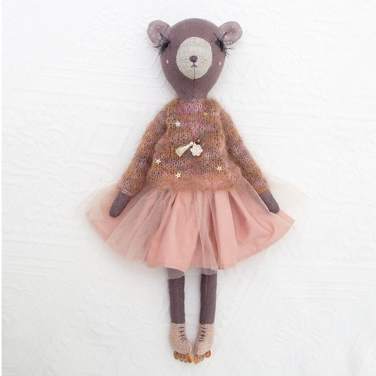 Please meet this sweet Bear girl. She's got soft mohair hand knitted sweater decorated with golden stars, powder pink cotton+tulle skirt and the necklace. And the main detail, of course, the cu...