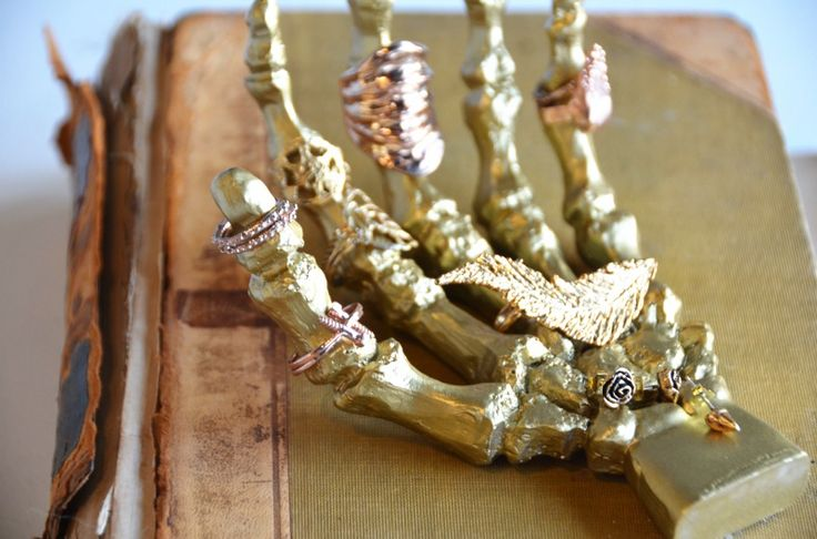 Motivated by the DIY Chic Skulls which are all about creating Halloween decor that you can incorporate into your chic interiors (that could last beyond the holiday), here's another spooky yet whimsically, stylish project that can provide you some much needed ring storage…if you're a jewelry fan like me! This dense, plastic, skeleton hand was […]