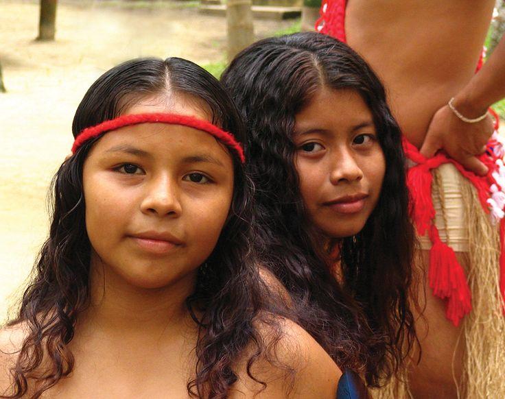 Inheemsen Meisjes   Suriname  