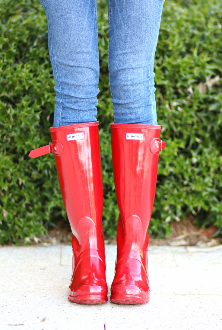 Want these Hunter Rain Boots in every color.
