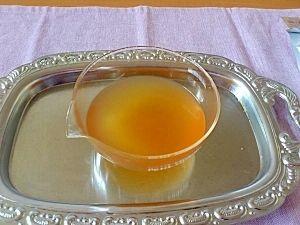 楽天が運営する楽天レシピ。ユーザーさんが投稿した「料亭の味、本格白だし」のレシピページです。薄めて使える上品な白だしを家でも作れる!冷蔵で約3週間の保存が可能。おすましや出汁巻き卵などには必需品ですねー!。白だし。昆布,鰹節,酒,みりん,薄口醤油,塩