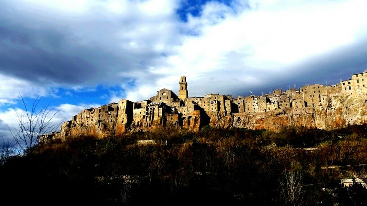 The old borgo town of Pitigliano.