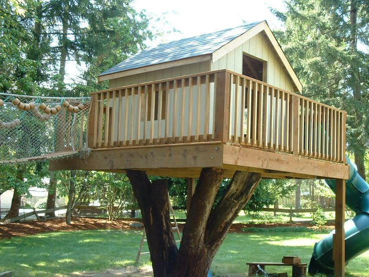 17 best images about play house on pinterest cubby for Best backyard tree houses