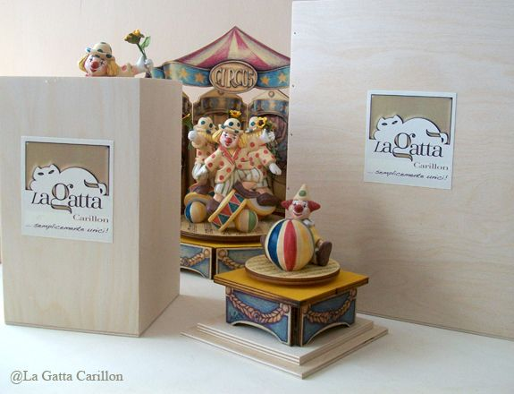 Prestige collection. Wooden music box with wooden gift box.