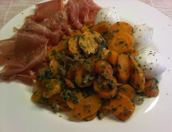 Variation der Vichy-Karotten als Hauptgericht