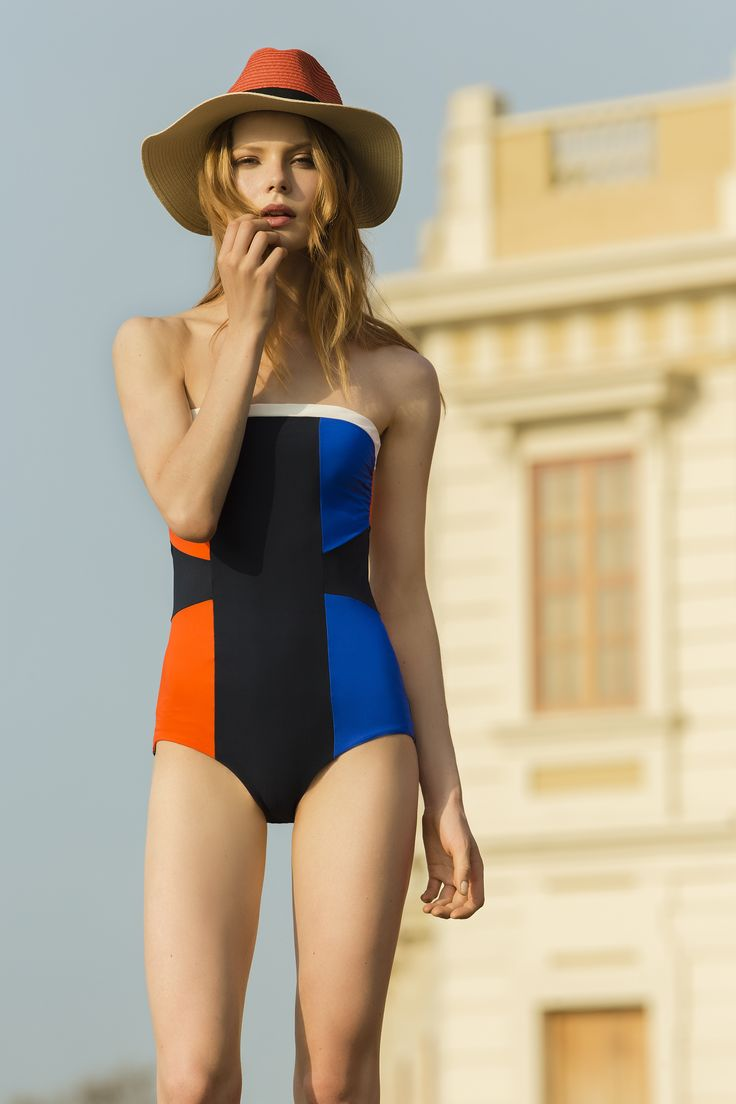 Color Block Bandeau One Piece / Shop Online at www.touche.com.co / Sofie Theobald