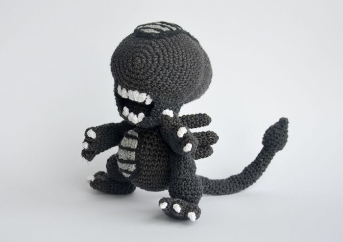 Xenomorph Knitting Pattern : 17 Best images about Geeky Crafts/Tutorials/DIY on ...