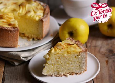 Una dolce torta di riso e mele profumata alla cannella per soddisfare con genuinità ogni palato.  #TortaDiMele #Ricetta