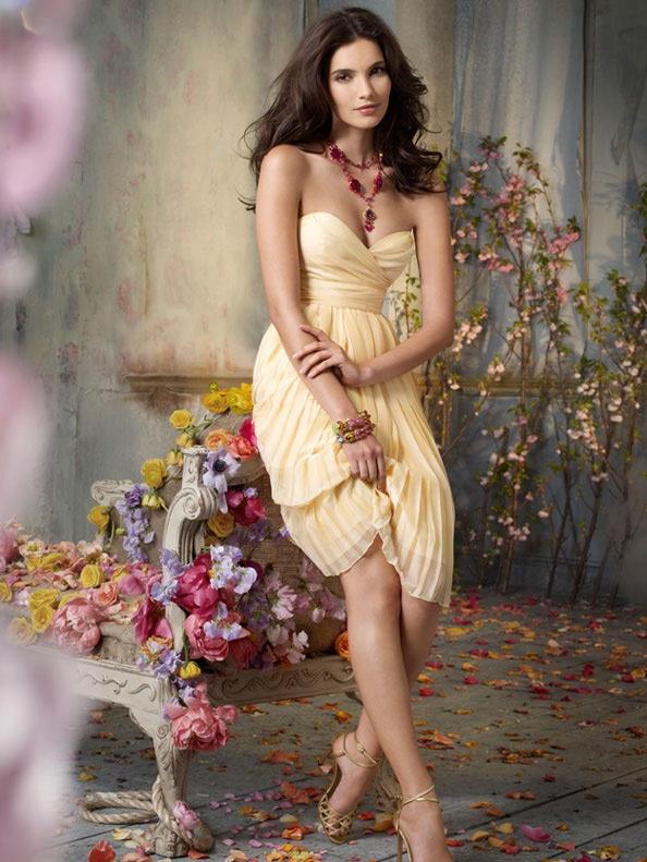 Wowza!! Canary Chiffon Strapless Sweetheart Knee-length Bridesmaid Dress