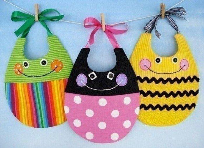 Шьем слюнявчики для малышей. Идеи