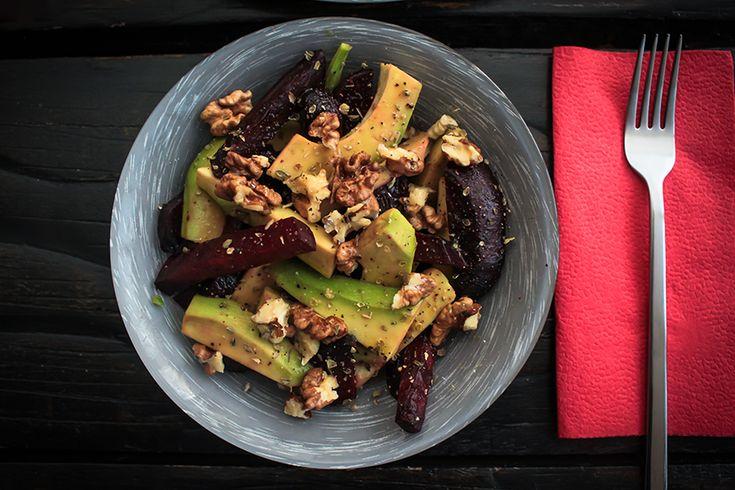 детокс салат со свеклой и авокадо  #omactiv