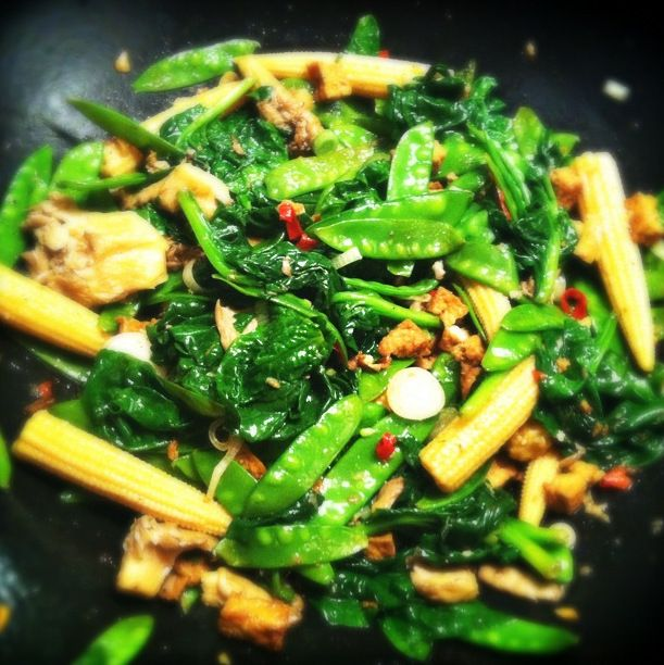 Tofu roerbak met mais, peultjes en cantharellen_2