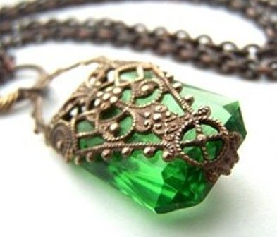 Google Image Result for http://www.articlesweb.org/blog/wp-content/uploads/2011/10/emerald-green-jewelry-2.jpg