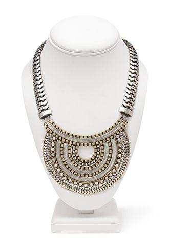 Glam Goddess Medallion Necklace   FOREVER 21 - 1000062103