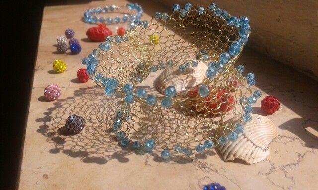 Bracciale crochet wire color oro con cristalli