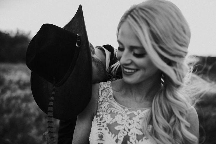 Wedding photography inspiration. Wedding photography. Southern wedding. Country wedding. Country wedding photography. Cowboy wedding. Rodeo wedding.