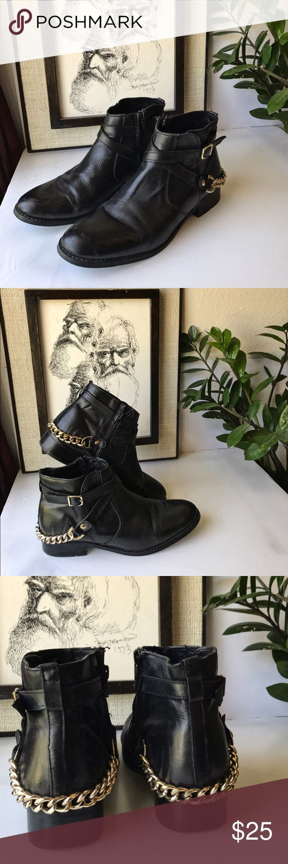"""Steve Madden Ringo Chained Ankle Boots You'll love these trendy fashionable shoes. Leather upper with a rounded toe. Gold chain adds a little edge to your outfit. Measurements: Shaft Measures 4"""", Circumference Measures 9"""" And 1"""" Heel Steve Madden Shoes Ankle Boots & Booties"""
