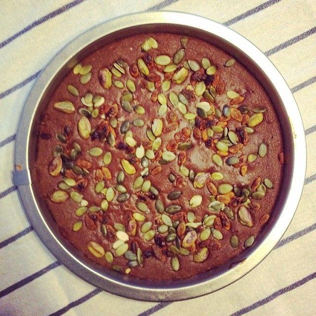 Chocolade Eiwitcake-  Variant: Gebruik in plaats van chocolade eiwitpoeder, kokosmeel en amandelmelk gewoon 50 gram amandelmeel.