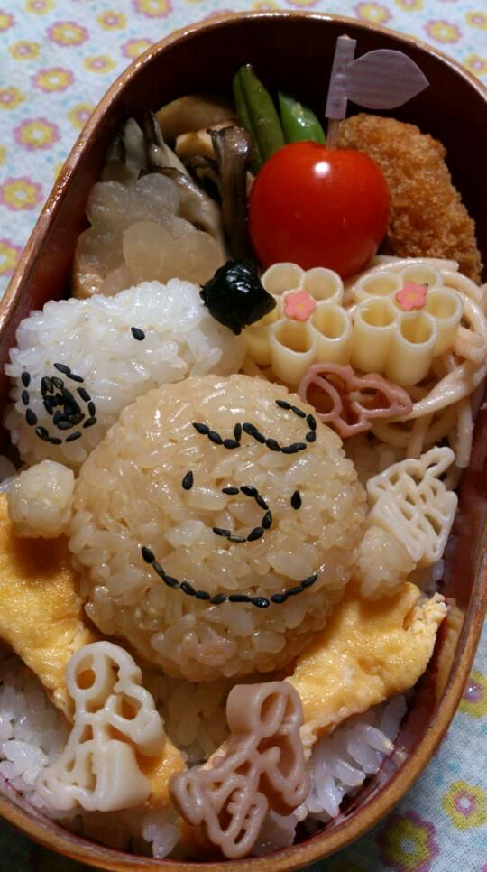 Snoopy & Charlie Brown Riceballs Bento Lunch|キャラ弁