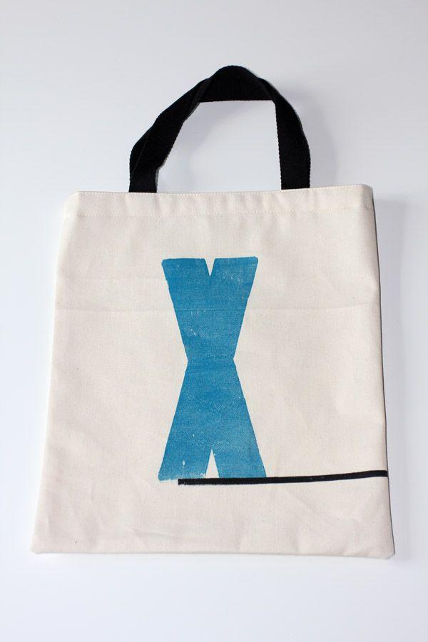 tote bag  avec impression typo caractère en bois X, souligné création dans l'atelier http://ampersandpresslab.fr/