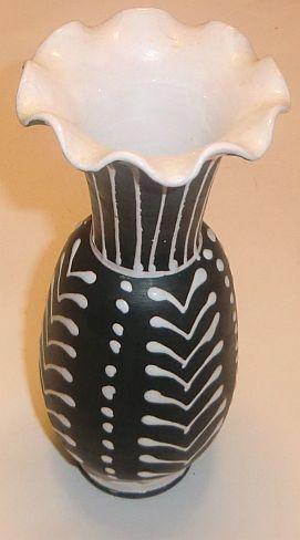 Larholm- sort/hvit vase, Rondane Brukt & Antikk