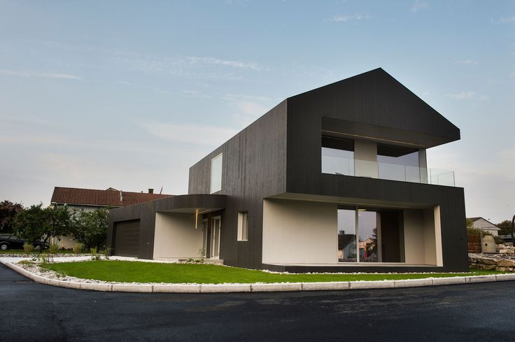Singelfamily house  Built: 2015 Architect: Marita Hamre  Cladding: Accoya Windows: Ideal Combi Futura+