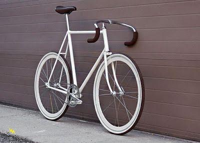 Sepeda Fixie atau Fixed Gear atau Gear Mati berasal dari New York, Amerika Serikat. Digunakan...
