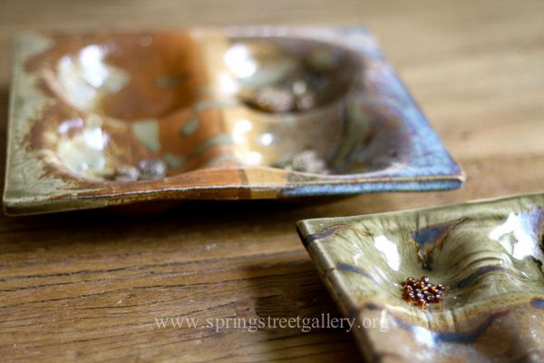 Plates to hold beads, jewelry or any little treasure you like to keep close by.