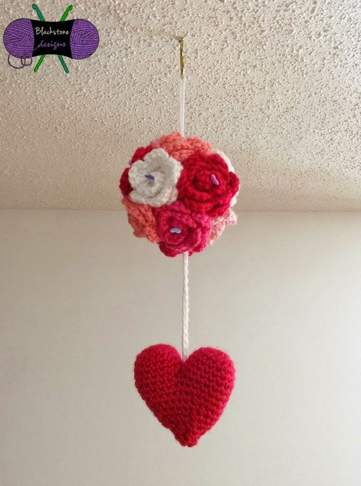 Blackstone Designs: Kissing Ball #crochet #valentine #kissingball #xoxo #ValentinesDay #roses