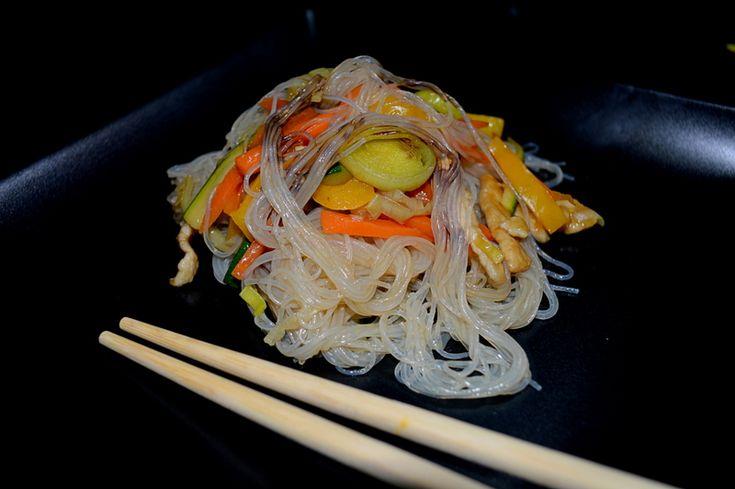 Adoro la cucina cinese ed ho provato a ricreare gli spaghetti di soia con verdure alla piastra! @gialloblogs