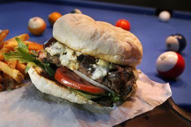 Lucky-13-burger.jpg - Luck 13 SLC