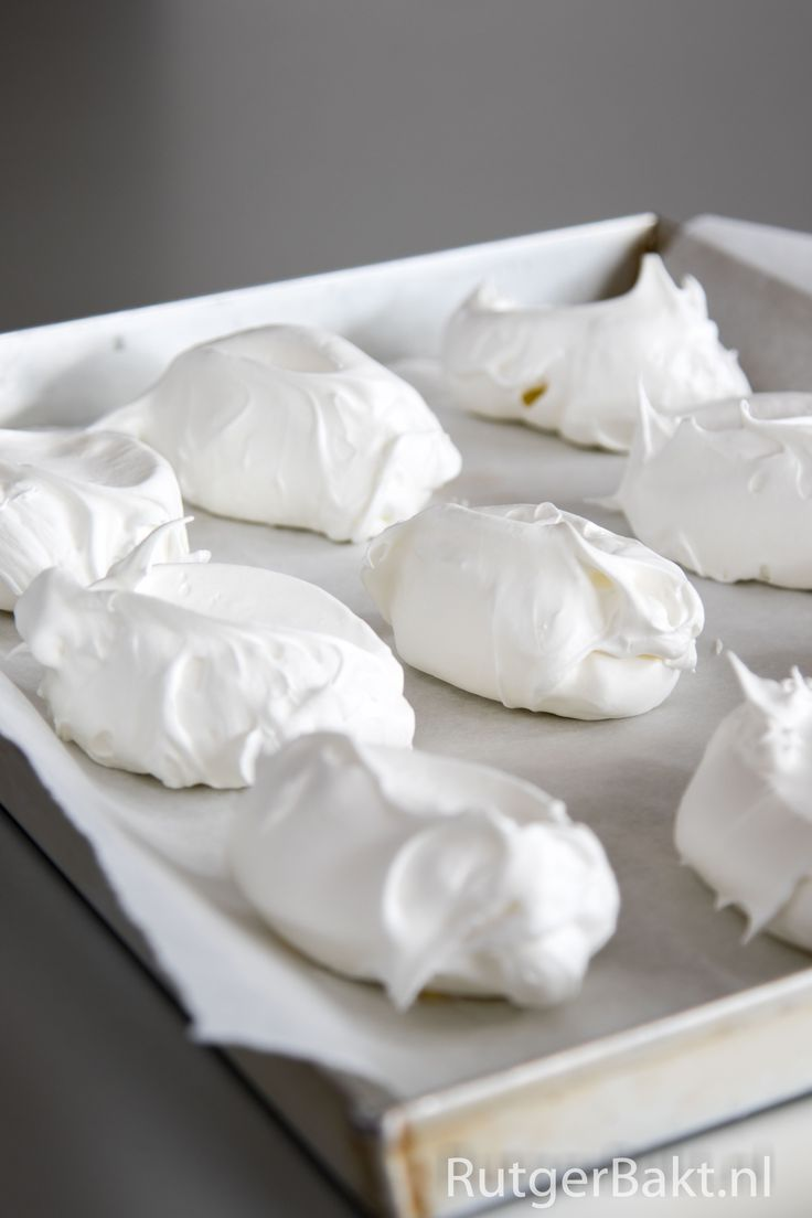 Basisrecept: Franse meringues (knapperig schuim) / Recipe: French meringues