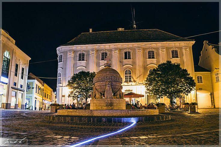 Hungary- Székesfehérvár belváros, éjszaka.
