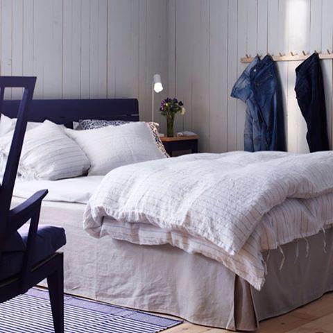 Strax tid att sova... ✨ #sänggavel #sänggavelträ #länstol #kroklist #blått #norrgavel