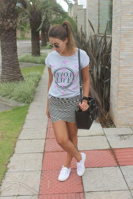 Nanda Pezzi - Saia listrada + tee + tênis branco