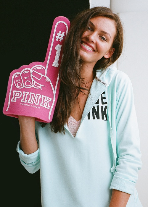 Perfect PINK game day style #TailgateWithPINK