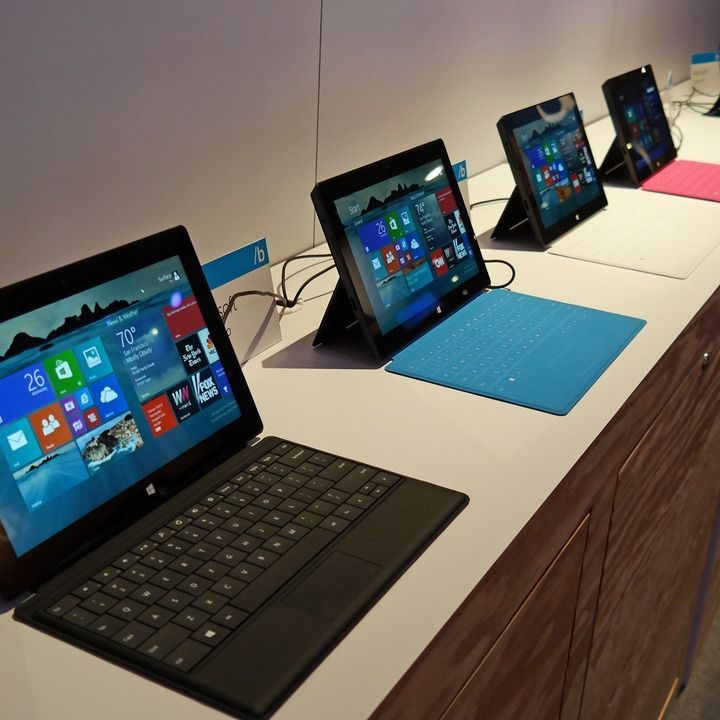 Microsoft has reduced the price of its Surface RT tablet by $150, signaling that Microsoft is probably sitting on a large amount of inventory of the device.