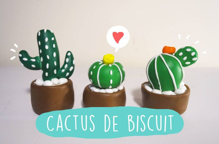 Para fazer o Cactus de Biscuit é muito simples Os ingredientes são: Biscuit Verde Claro Biscuit Verde Escuro Biscuit Marrom Biscuit Branco Cola Branca Biscuit rosa, amarelo, vermelho ou qualquer cor que você queira fazer a florzinha. Primeiro você deve fazer o vaso. Faça uma bolinha com o Biscuit Marrom e comece apertar a parte …