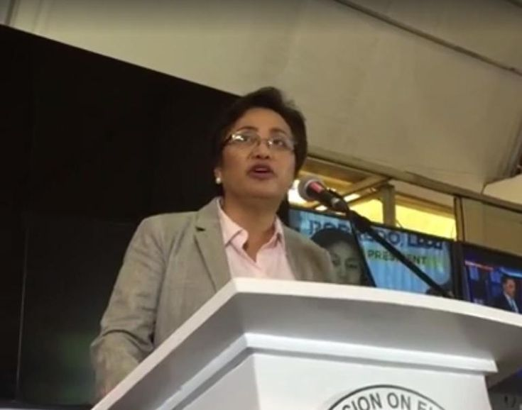 PENDING PROBE ON SCRIPT CHANGE: Smartmatic personnel should not leave Philippines Commission on Elections (Comelec) Commissioner Rowena Guanzon said Sunday that personnel of technology provider Smartmatic should be barred from leaving the country pending the investigation on the script change in the transparency server that shows the unofficial results of the May 9 elections.