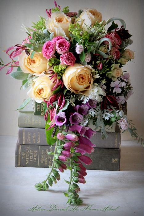 stunning flowers by Sabine Darrall of G Lily.