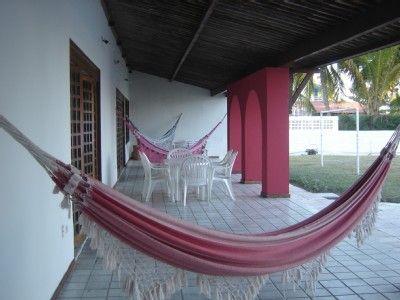 Casa Temporada em Itamaracá: Excelente casa beira mar, com piscina, bar aquático e mine campo de futebol