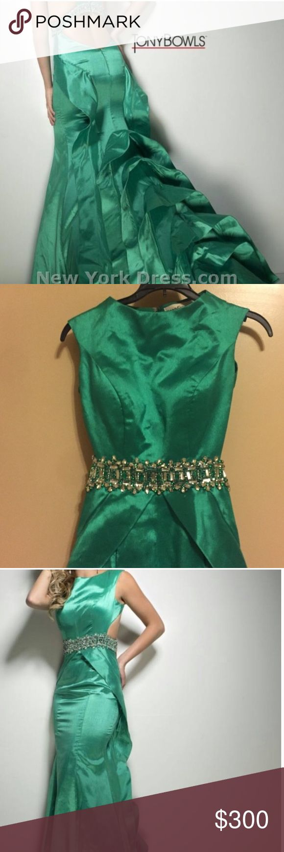 Designer Tony Bowls prom dress Tony bowl size 2 authentic dress worn once this price is a steal but negotiation open Tony Bowls Dresses Prom