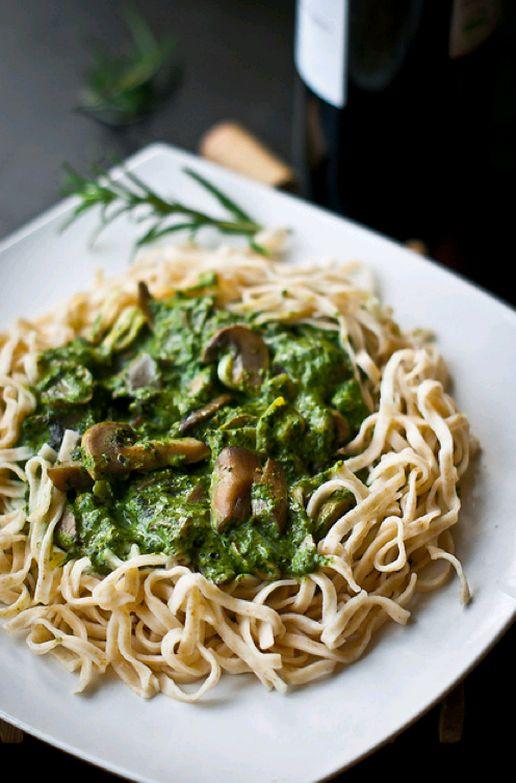 pasta, pesto, mushrooms