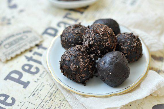Csokigolyók brownie-ból
