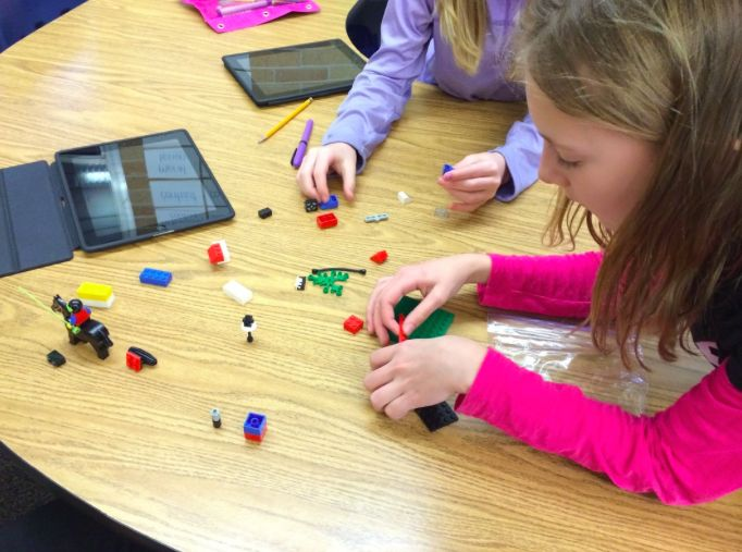 5th Grade Lego Challenge with Stop Motion app - http://eedsmith.weebly.com/3/post/2014/03/5th-grade-lego-challenge.html